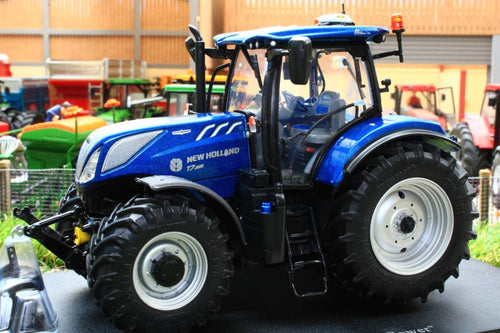 UH4976 UNIVERSAL HOBBIES NEW HOLLAND T7.225 BLUE POWER 4WD TRACTOR 2016
