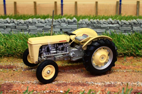 UH4991 UNIVERSAL HOBBIES FERGUSON T035  1957 PRODUCTION VERSION CREAM AND GREY TRACTOR
