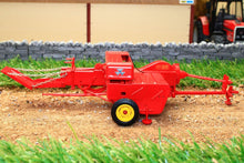 Load image into Gallery viewer, Uh5239 Universal Hobbies Massey Ferguson No3 Baler Tractors And Machinery (1:32 Scale)