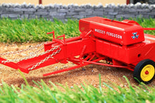 Load image into Gallery viewer, UH5239 UNIVERSAL HOBBIES MASSEY FERGUSON NO3 BALER