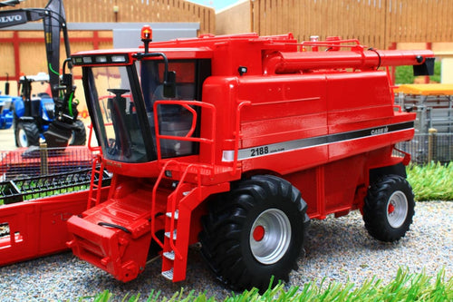 UH5269 Universal Hobbies Case IH Axial Flow 2188 Combine Harvester NOW IN STOCK!