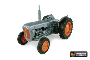 UH5315 UNIVERSAL HOBBIES 1:16 SCALE FORDSON DEXTA 60TH ANNIVERSARY EDITION ED-1957