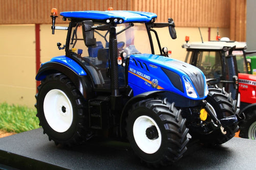 UH5360 UNIVERSAL HOBBIES NEW HOLLAND T5.130 AUTO COMMAND TRACTOR