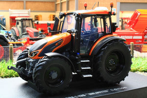 UH6292 UNIVERSAL HOBBIES VALTRA G135 BURNT ORANGE 2021 4WD TRACTOR LIMITED EDITION 1,000pcs