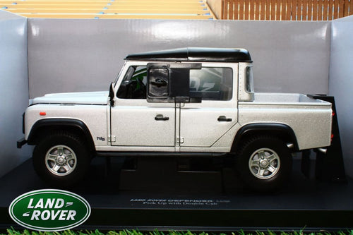 UNIVERSAL HOBBIES 1:18TH  EXACT SCALE REPLICA LAND ROVER DEFENDER 110 TD5 DOUBLE CAB PICK UP IN SILVER