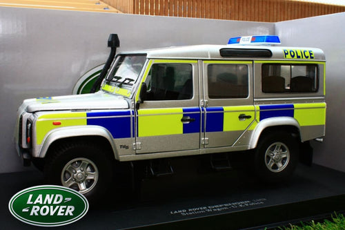 UNIVERSAL HOBBIES 1:18TH  EXACT SCALE REPLICA LAND ROVER DEFENDER 110 TD5 POLICE VERSION