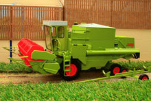 Load image into Gallery viewer, USK30012 USK CLAAS DOMINATOR 85 COMBINE HARVESTER - WITH CAB