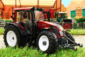 W7326 WIKING VALTRA N143 HT3 TRACTOR