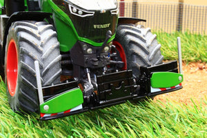 W7842 Wiking Front Bumper And Weights In Fendt Colours Tractors And Machinery (1:32 Scale)