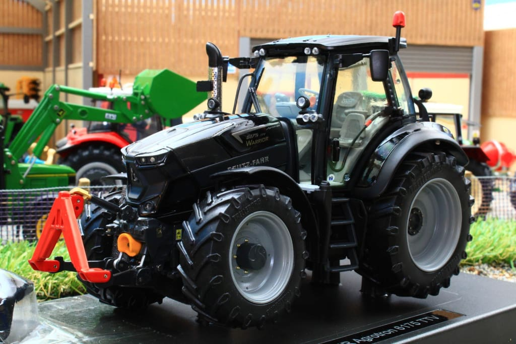 WE2053 WEISE DEUTZ-FAHR AGROTRON 6175 TTV WARRIOR 4WD TRACTOR LIMITED TO 500 RUN