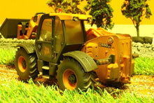 Load image into Gallery viewer, 42872 Weathered Britains Jcb 550-80 Loadall Weathered Models (1:32 Scale)