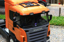 Load image into Gallery viewer, WEL32625O WELLY 132 SCALE SCANIA 4470 4X2 LORRY IN METALLIC ORANGE