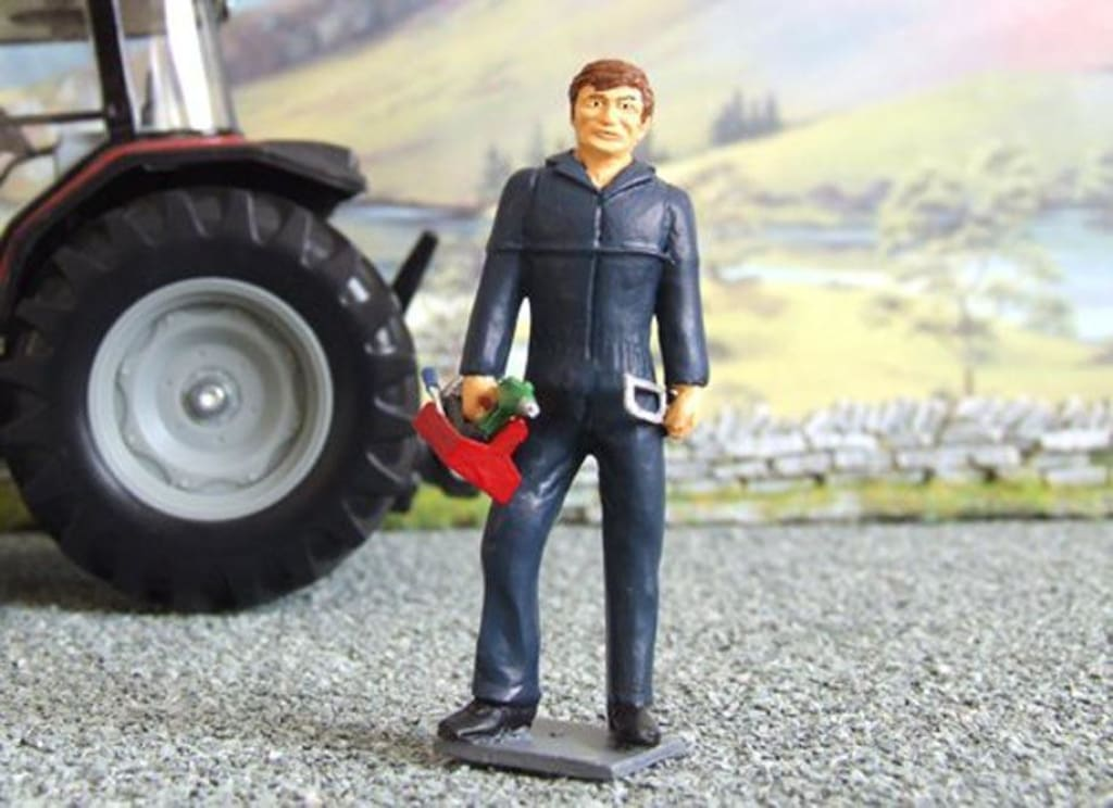 HLT-WM026 Farm Labourer with Open Hand
