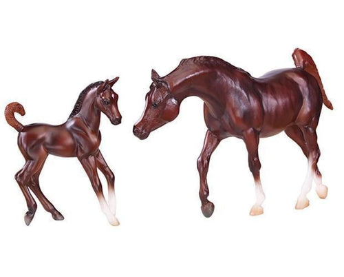 BR62046 Breyer Classics Chestnut Arabian and Foal (1:12 Scale)
