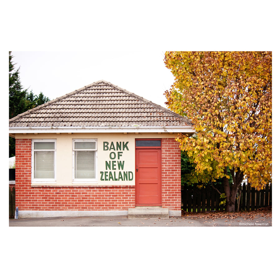 photo old bnz bank of new zealand in middlemarch otago autumn