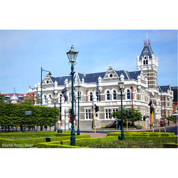 photo of Dunedin city court house, dunedin, new zealand, by michele newman Photographer ©starfishphotos