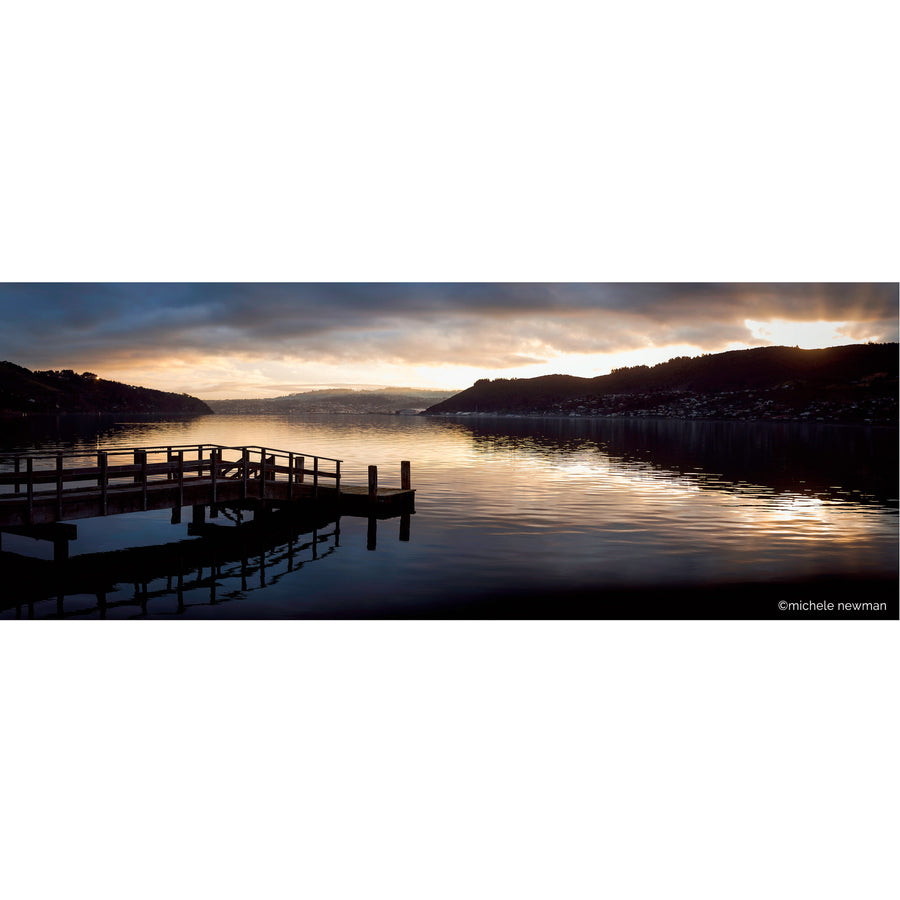 photo glenfalloch jetty otago peninsula harbour dunedin new zealand at twilight