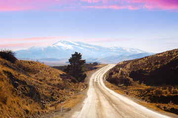 maniototo road to the mountains central otago new zealand