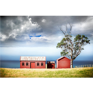 photo of matanaka farm buildings, waikouiti, otago dunedin new zealand
