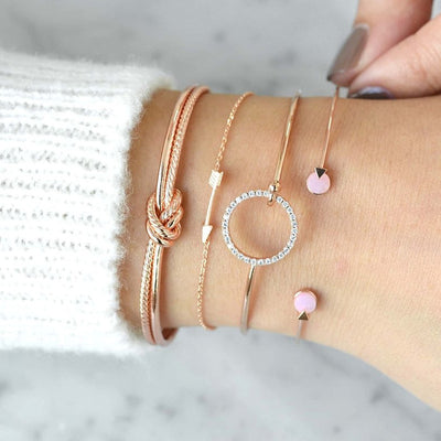 Classic Arrow Knot Round Bracelet Set