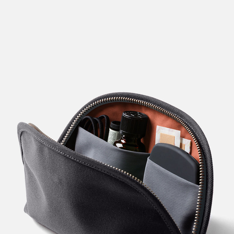 Bellroy Classic Pouch Charcoal Inside Accessories