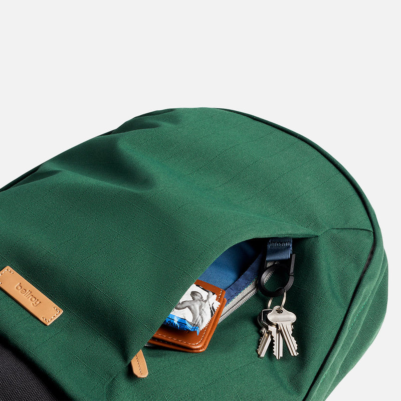 Bellroy Classic Backpack Forest key holder