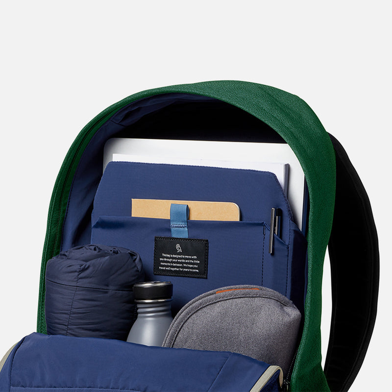 Bellroy Classic Backpack Forest laptop compartment