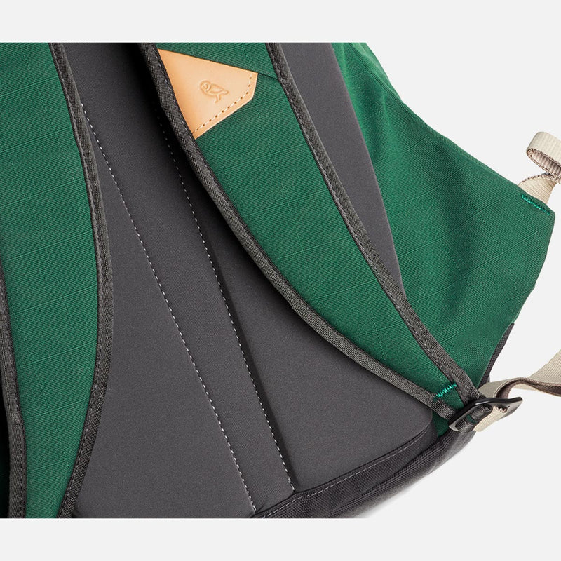 Bellroy Classic Backpack Forest straps details