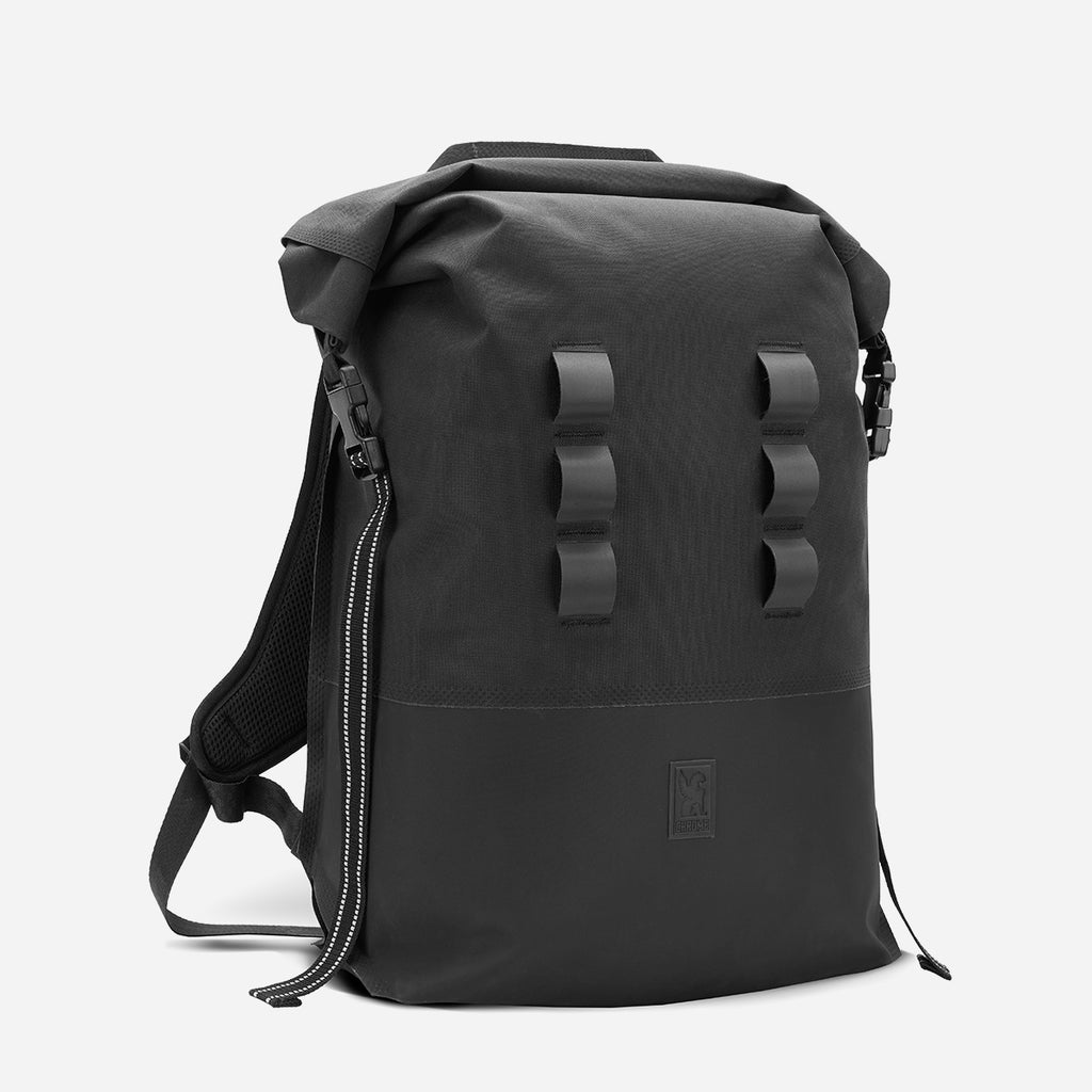 Chrome Industries Urban Ex 2.0 Rolltop 30L diagonal view