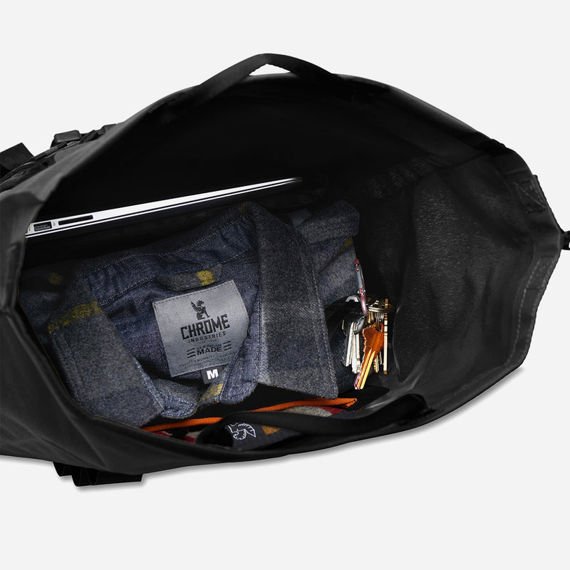 Chrome Industries Urban Ex 2.0 Rolltop 30L inside view