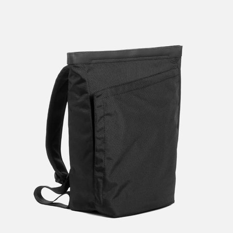 OPPOSETHIS Invisible backpack Mini front view