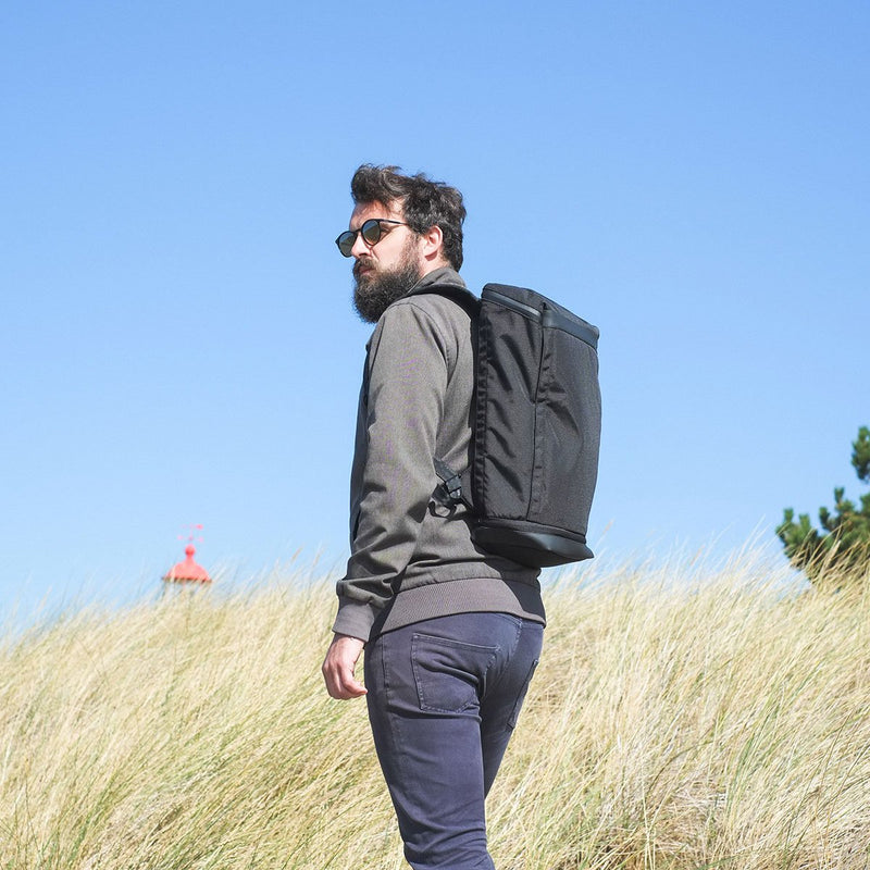 OPPOSETHIS Invisible backpack THREE in nature on man