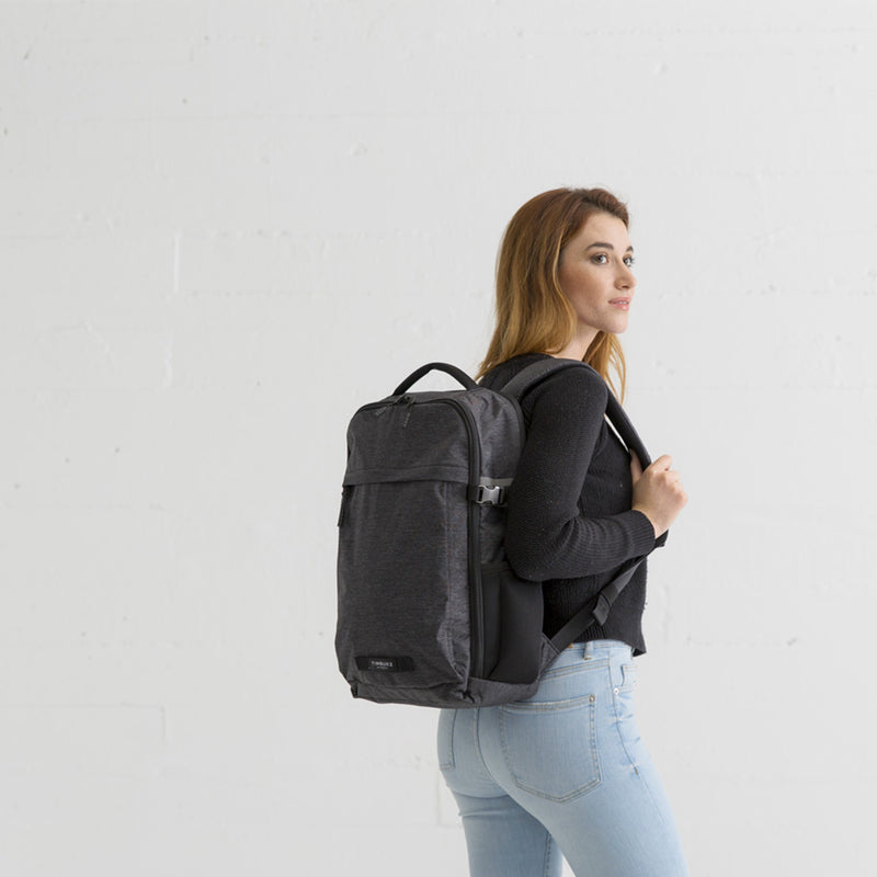 Timbuk2 Division Jet Black Static on the back - woman