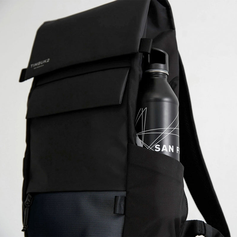 Timbuk2 Robin Jet Black bottle compartment view