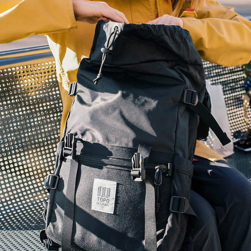 Topo Designs Rover Pack Black cinch opening