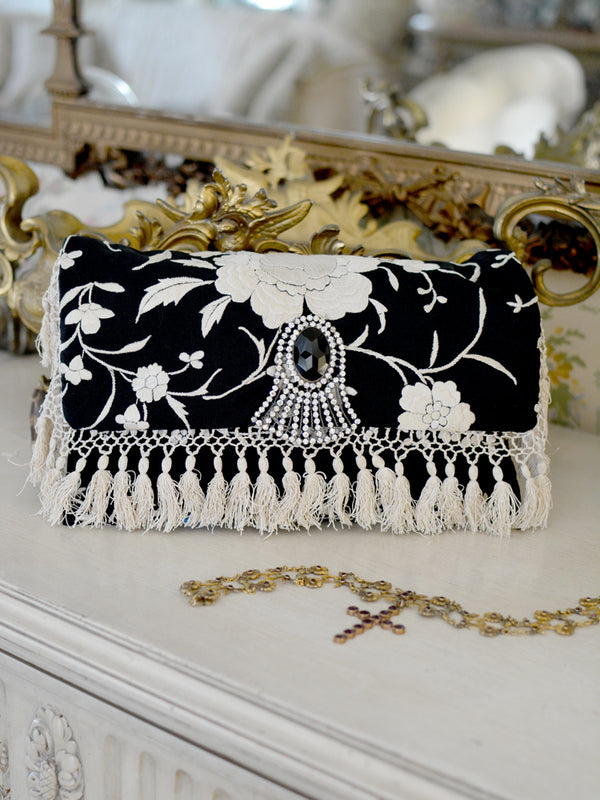 Black & Cream Daisy Clutch