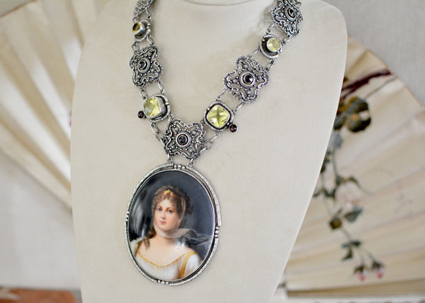 19 th. C. Portrait of Queen Louise Necklace with Cushion Cut Lemon Quartz and Garnets