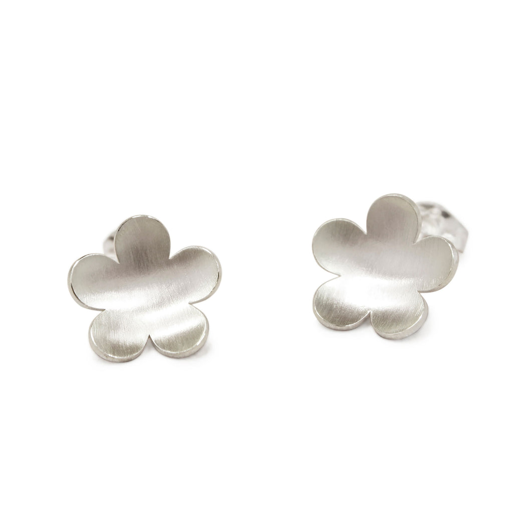 GCE31 Silver buttercup stud earrings