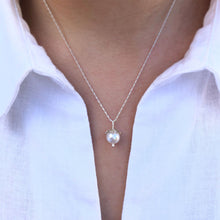 Load image into Gallery viewer, GCF14P Silver blossom and pearl pendant