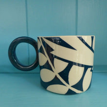 Load image into Gallery viewer, Teal ava bird mug