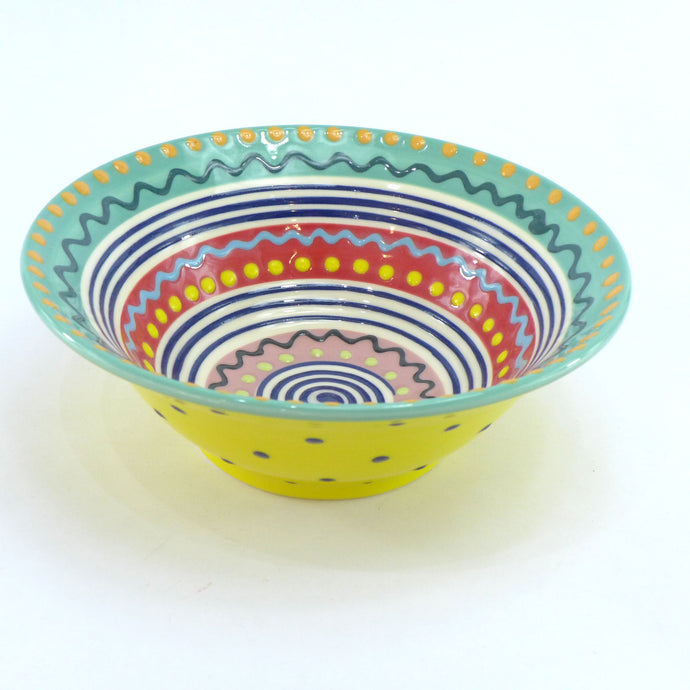 Wiggly design edge spotty medium bowl