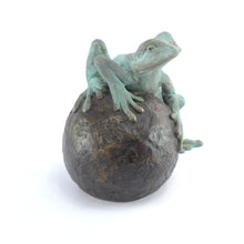 Load image into Gallery viewer, Medium frog on ball