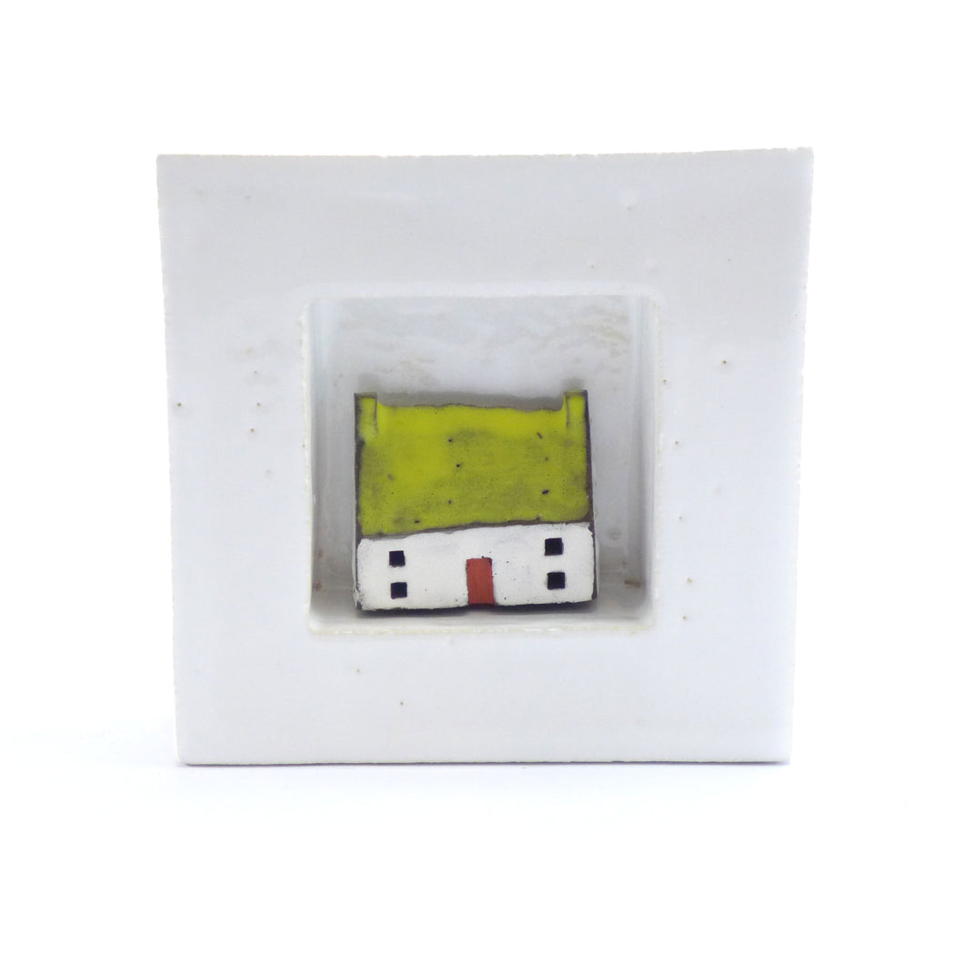 Ceramic framed house with yellow roof PM69