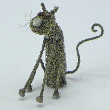 Load image into Gallery viewer, Knitted wire small sitting cat