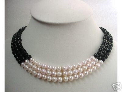 16-17'' 3-ROW SEASHELL PEARL & ONYX NECKLACE