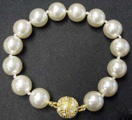 12mm white seashell pearl Bracelet