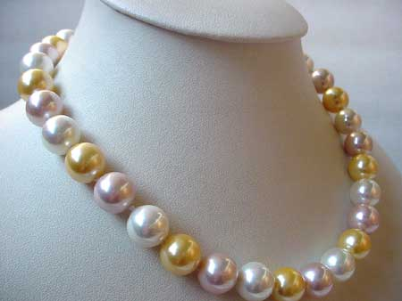 17'' 12MM 3-COL SEA SHELL PEARL NECKLACE