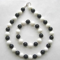 "17"" white coral and black agate necklace with bracelet"