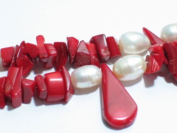 17'' 2 row red coral chip and white pearl necklace