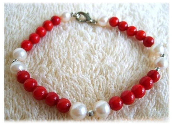7.5'' white pearl and red coral bracelet